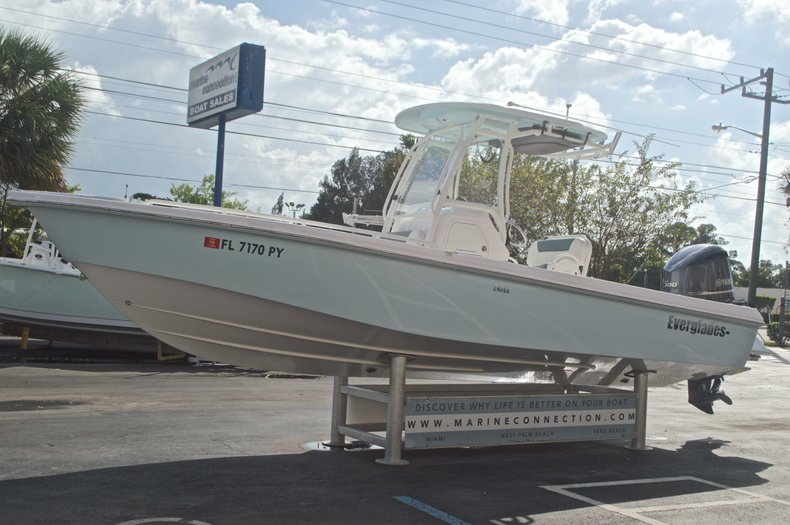 Image 4 for 2014 Everglades 243 Center Console in West Palm Beach, FL