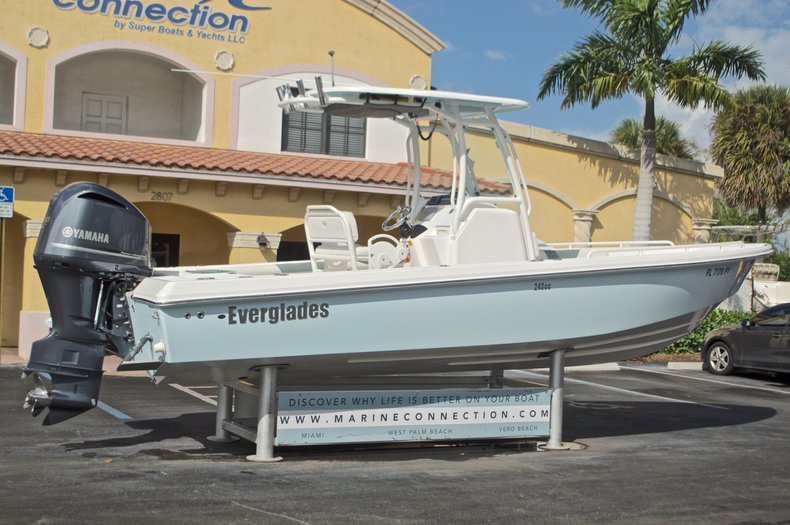 Thumbnail 9 for Used 2014 Everglades 243 Center Console boat for sale in West Palm Beach, FL