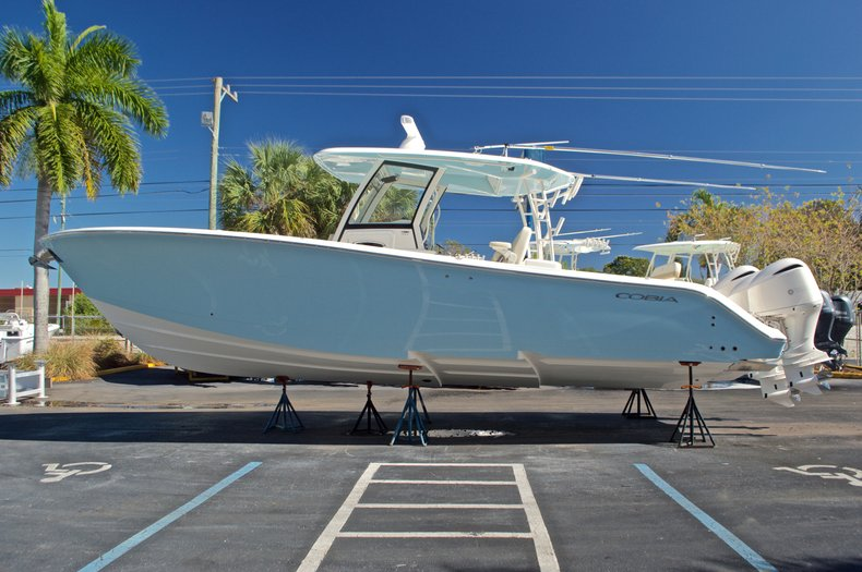 Thumbnail 3 for New 2017 Cobia 344 Center Console boat for sale in West Palm Beach, FL
