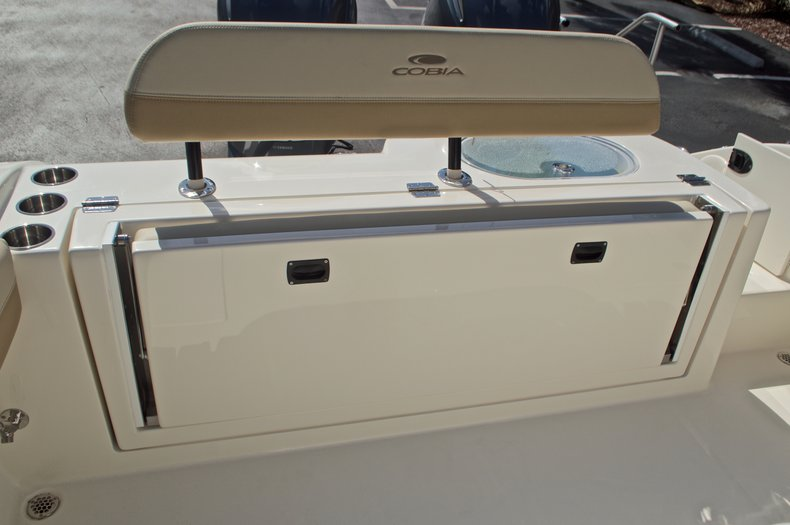 Thumbnail 13 for New 2017 Cobia 277 Center Console boat for sale in West Palm Beach, FL