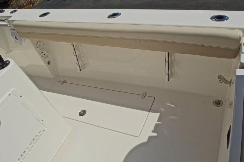 Thumbnail 17 for New 2017 Cobia 277 Center Console boat for sale in West Palm Beach, FL
