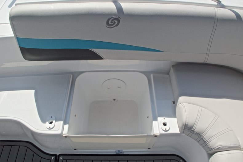 Thumbnail 16 for New 2017 Hurricane SunDeck SD 187 OB boat for sale in West Palm Beach, FL