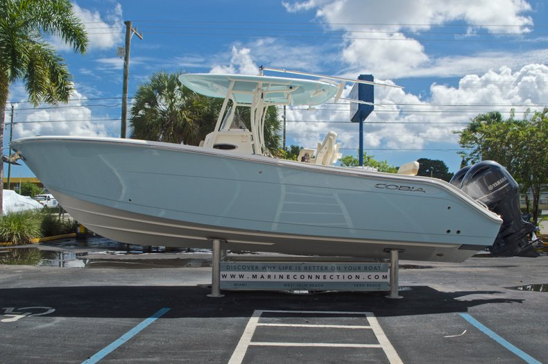 Thumbnail 6 for New 2017 Cobia 277 Center Console boat for sale in West Palm Beach, FL