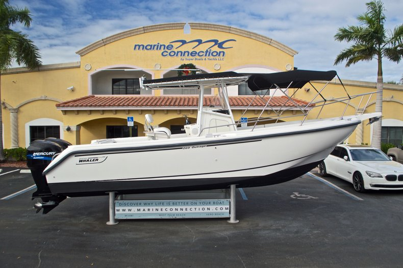 Used 1999 Boston Whaler 260 Outrage Center Console for sale