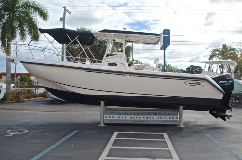 Used 1999 Boston Whaler 260 Outrage Center Console boat for sale in