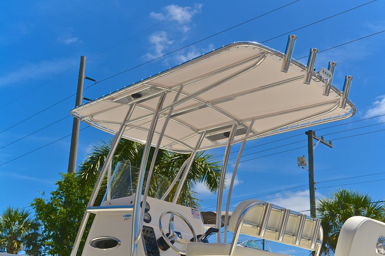 Thumbnail 11 for New 2013 Cobia 217 Center Console boat for sale in West Palm Beach, FL