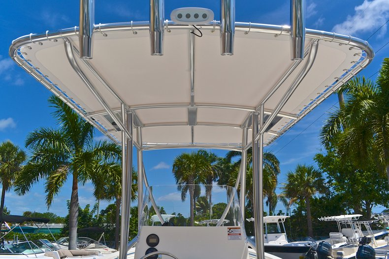 Thumbnail 22 for New 2013 Cobia 217 Center Console boat for sale in West Palm Beach, FL
