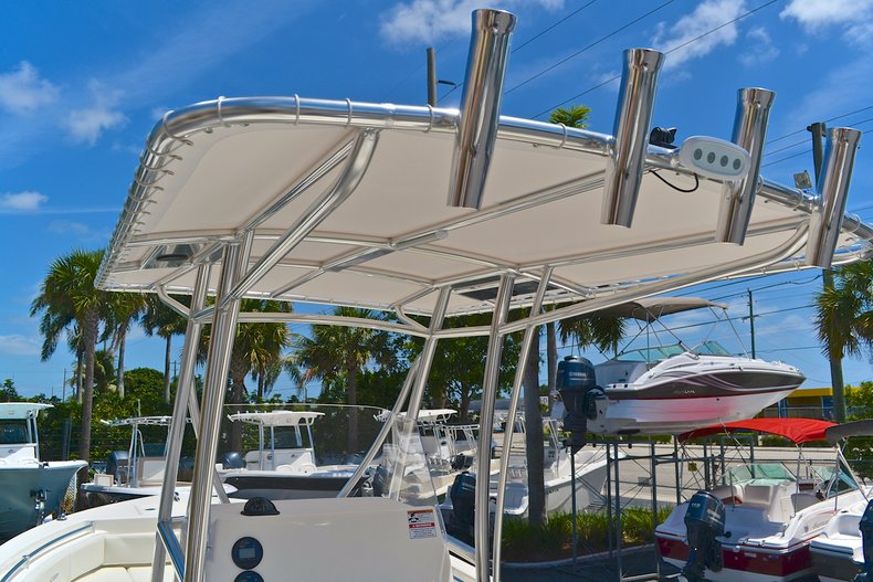 Thumbnail 26 for New 2013 Cobia 217 Center Console boat for sale in West Palm Beach, FL