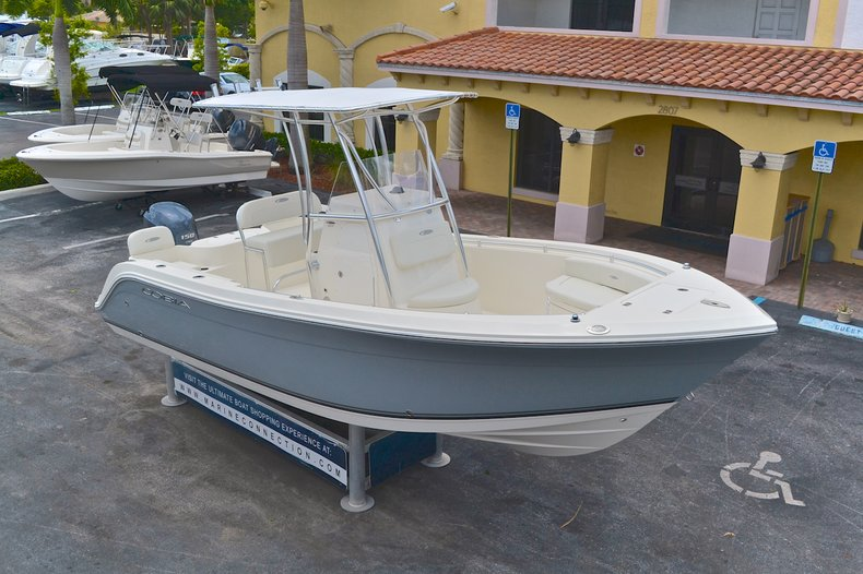 Thumbnail 88 for New 2013 Cobia 217 Center Console boat for sale in West Palm Beach, FL