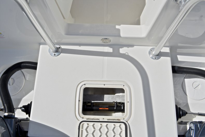 Used 2015 World Cat Renegade 2740 Glacier Bay Edition Boat