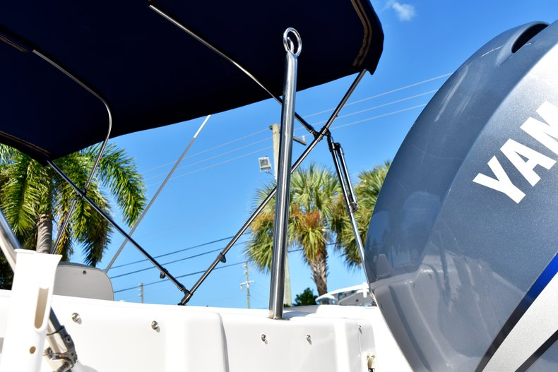 Thumbnail 11 for Used 2004 Hurricane GS211 FunDeck boat for sale in West Palm Beach, FL