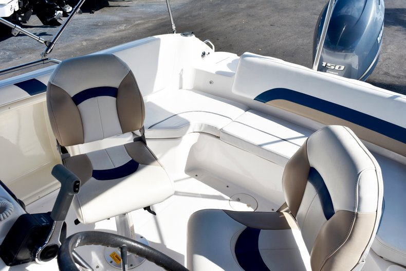 Thumbnail 27 for Used 2004 Hurricane GS211 FunDeck boat for sale in West Palm Beach, FL