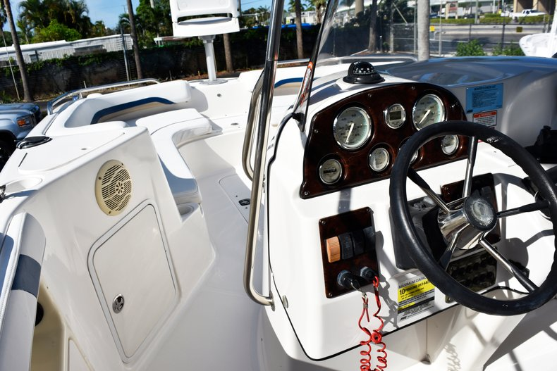 Thumbnail 46 for Used 2004 Hurricane GS211 FunDeck boat for sale in West Palm Beach, FL