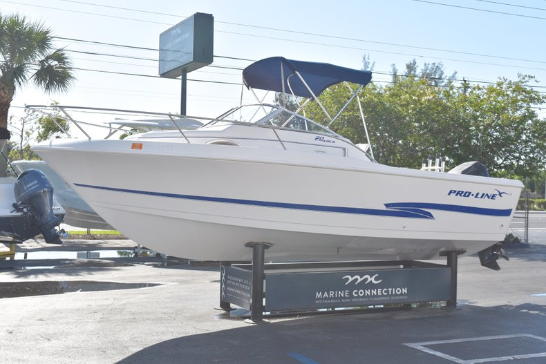 Thumbnail 3 for Used 2003 Pro-Line 20 WA Walkaround boat for sale in West Palm Beach, FL