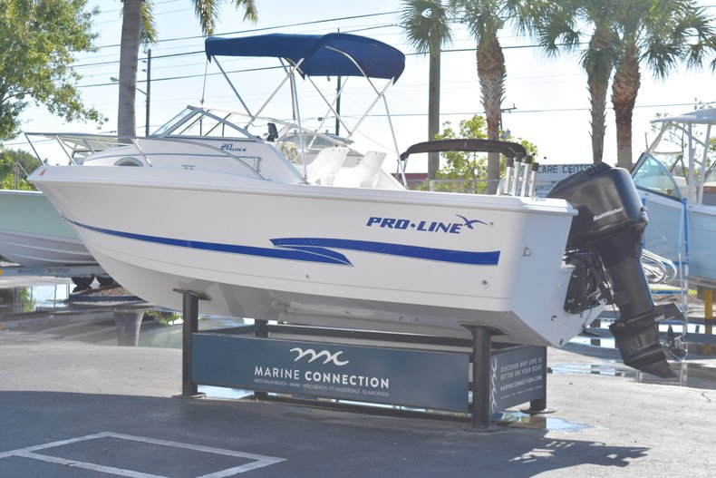 Thumbnail 5 for Used 2003 Pro-Line 20 WA Walkaround boat for sale in West Palm Beach, FL