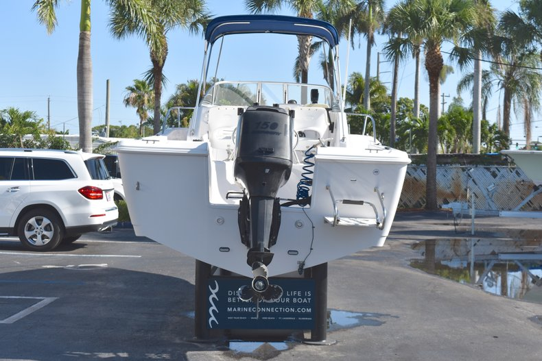 Thumbnail 6 for Used 2003 Pro-Line 20 WA Walkaround boat for sale in West Palm Beach, FL