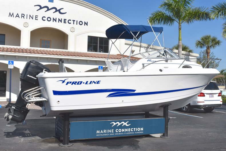 Thumbnail 7 for Used 2003 Pro-Line 20 WA Walkaround boat for sale in West Palm Beach, FL