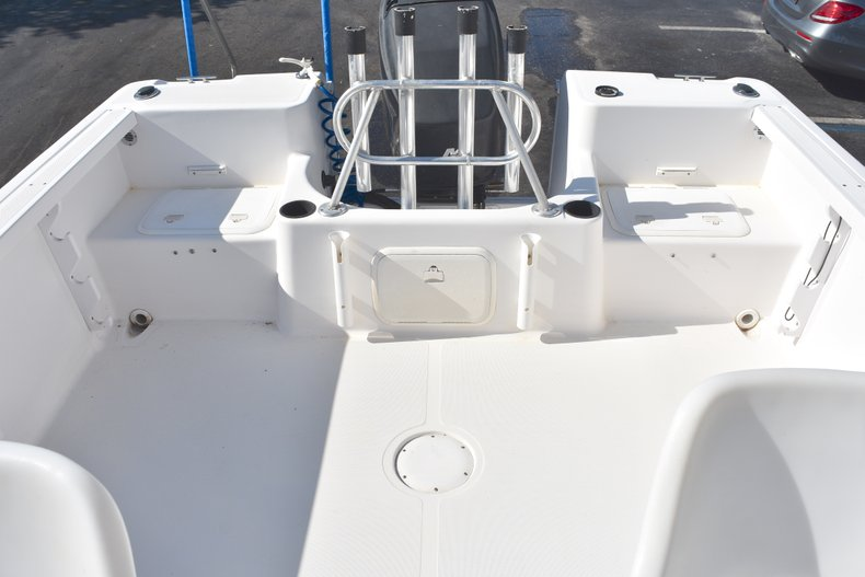 Thumbnail 10 for Used 2003 Pro-Line 20 WA Walkaround boat for sale in West Palm Beach, FL