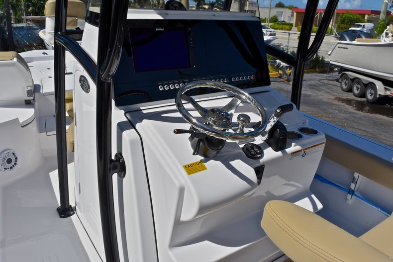 Thumbnail 39 for New 2018 Sportsman Masters 267 Bay Boat boat for sale in West Palm Beach, FL