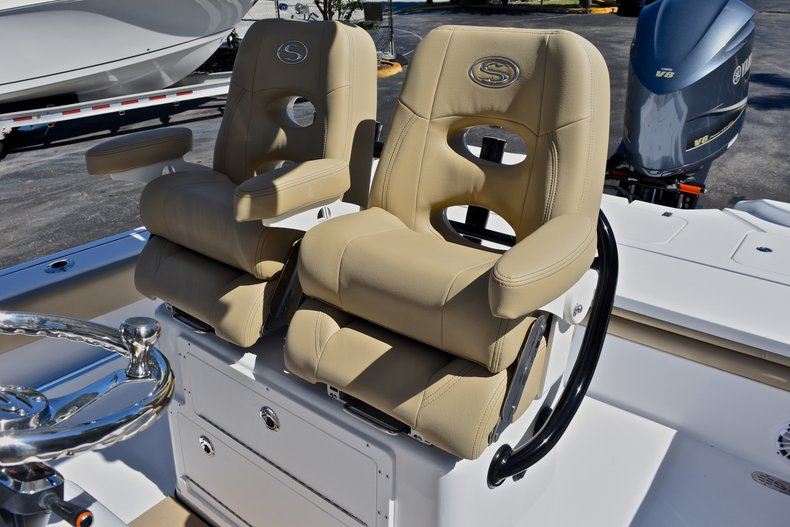 Thumbnail 28 for New 2018 Sportsman Masters 267 Bay Boat boat for sale in West Palm Beach, FL