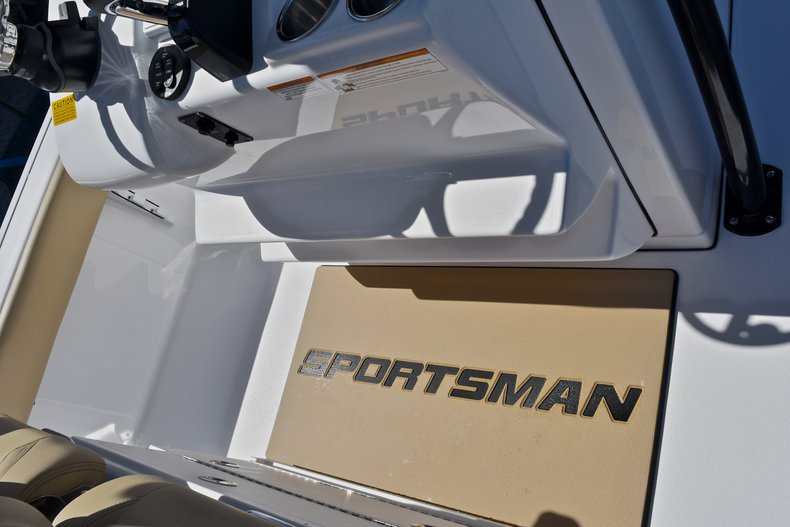 Thumbnail 50 for New 2018 Sportsman Masters 267 Bay Boat boat for sale in West Palm Beach, FL