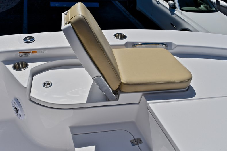 Thumbnail 57 for New 2018 Sportsman Masters 267 Bay Boat boat for sale in West Palm Beach, FL