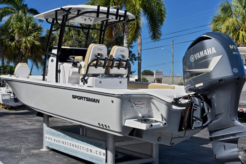 Thumbnail 6 for New 2018 Sportsman Masters 267 Bay Boat boat for sale in West Palm Beach, FL