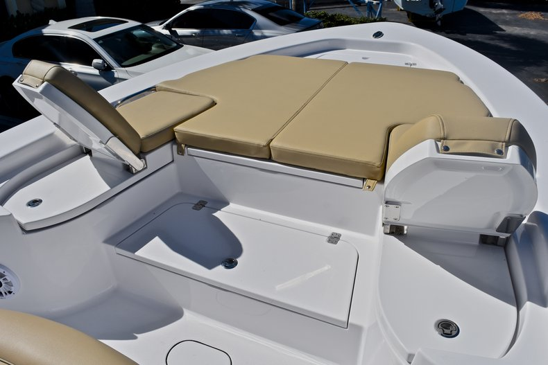 Thumbnail 55 for New 2018 Sportsman Masters 267 Bay Boat boat for sale in West Palm Beach, FL