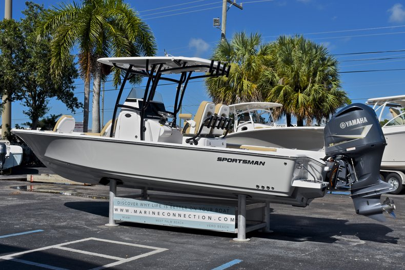 Thumbnail 5 for New 2018 Sportsman Masters 267 Bay Boat boat for sale in West Palm Beach, FL