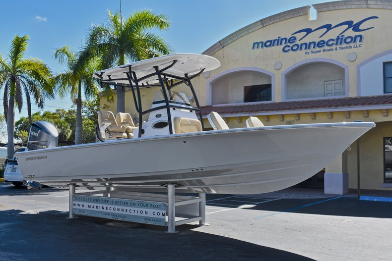 Thumbnail 1 for New 2018 Sportsman Masters 267 Bay Boat boat for sale in West Palm Beach, FL