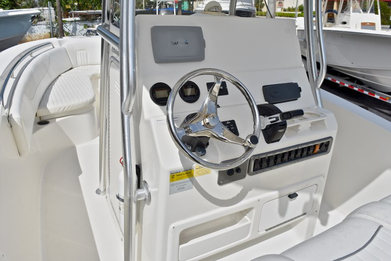Thumbnail 26 for Used 2012 NauticStar 2500XS Offshore boat for sale in West Palm Beach, FL