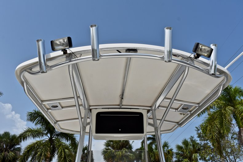 Thumbnail 34 for Used 2012 NauticStar 2500XS Offshore boat for sale in West Palm Beach, FL