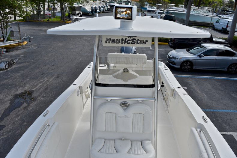 Thumbnail 52 for Used 2012 NauticStar 2500XS Offshore boat for sale in West Palm Beach, FL