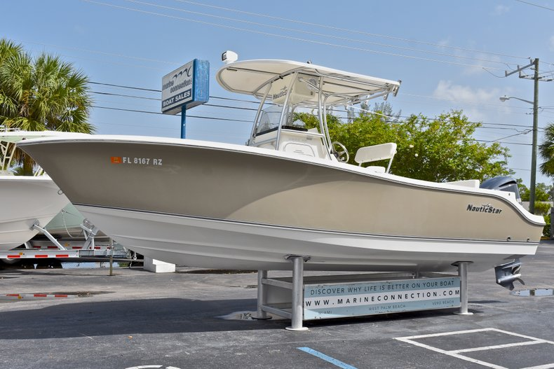 Thumbnail 2 for Used 2012 NauticStar 2500XS Offshore boat for sale in West Palm Beach, FL