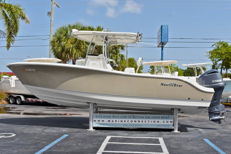 Thumbnail 3 for Used 2012 NauticStar 2500XS Offshore boat for sale in West Palm Beach, FL