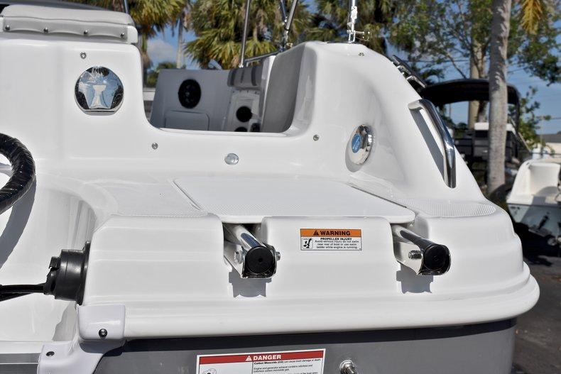Thumbnail 9 for New 2018 Hurricane 211 SunDeck Sport OB boat for sale in Vero Beach, FL