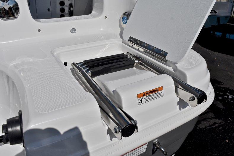 Thumbnail 10 for New 2018 Hurricane 211 SunDeck Sport OB boat for sale in Vero Beach, FL