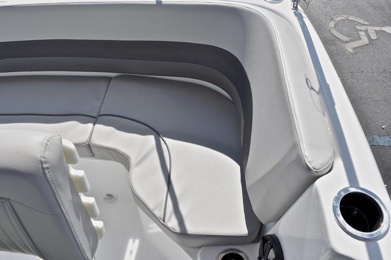 Thumbnail 22 for New 2018 Hurricane 211 SunDeck Sport OB boat for sale in Vero Beach, FL