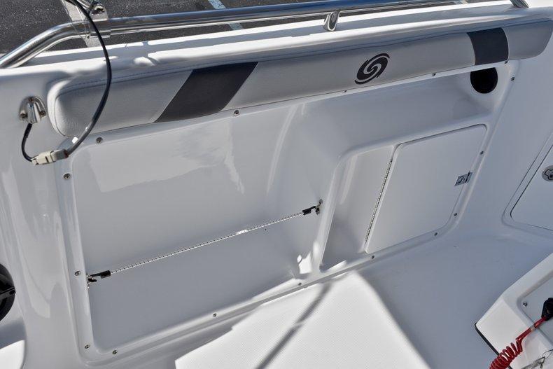 Thumbnail 25 for New 2018 Hurricane 211 SunDeck Sport OB boat for sale in Vero Beach, FL