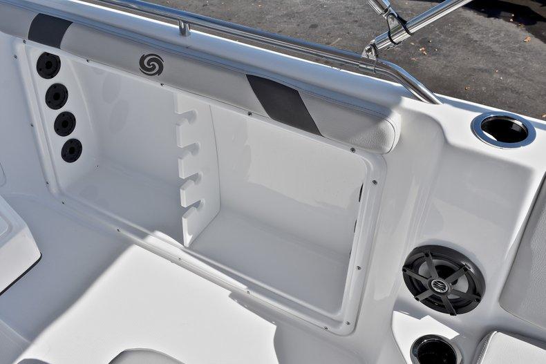 Thumbnail 24 for New 2018 Hurricane 211 SunDeck Sport OB boat for sale in Vero Beach, FL