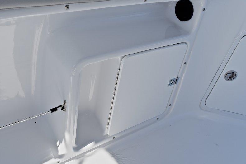Thumbnail 26 for New 2018 Hurricane 211 SunDeck Sport OB boat for sale in Vero Beach, FL