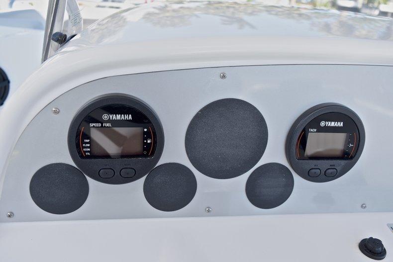 Thumbnail 30 for New 2018 Hurricane 211 SunDeck Sport OB boat for sale in Vero Beach, FL