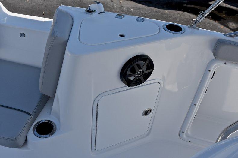 Thumbnail 42 for New 2018 Hurricane 211 SunDeck Sport OB boat for sale in Vero Beach, FL