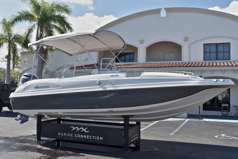 Thumbnail 1 for New 2018 Hurricane 211 SunDeck Sport OB boat for sale in West Palm Beach, FL