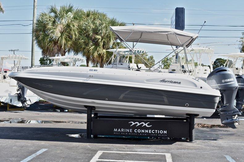 Thumbnail 4 for New 2018 Hurricane 211 SunDeck Sport OB boat for sale in Vero Beach, FL
