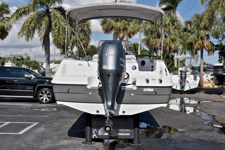 Thumbnail 6 for New 2018 Hurricane 211 SunDeck Sport OB boat for sale in Vero Beach, FL