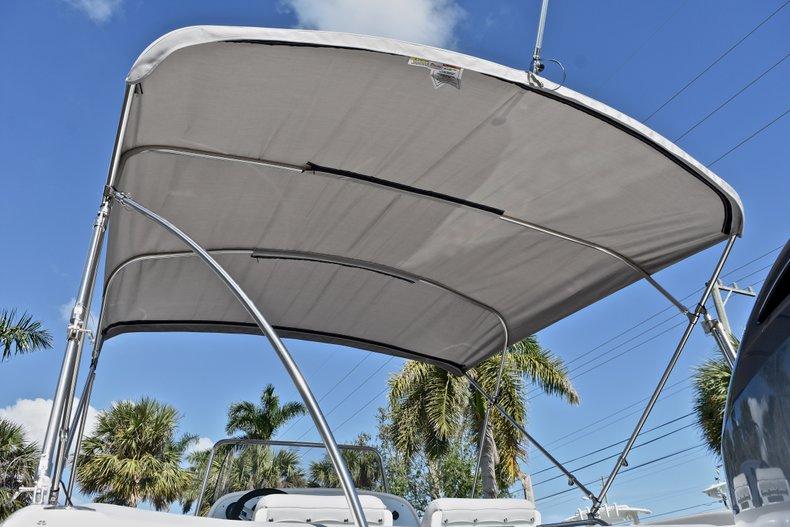 Thumbnail 8 for New 2018 Hurricane 211 SunDeck Sport OB boat for sale in Vero Beach, FL