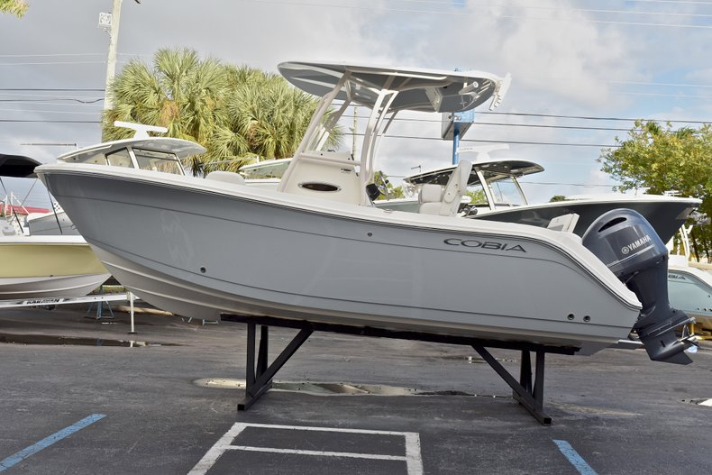 Thumbnail 4 for New 2018 Cobia 220 Center Console boat for sale in West Palm Beach, FL