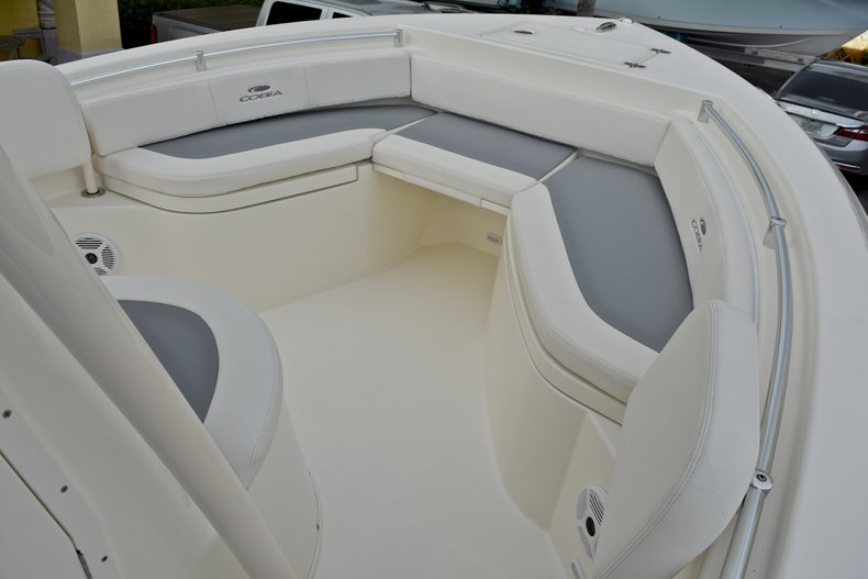 Thumbnail 36 for New 2018 Cobia 220 Center Console boat for sale in West Palm Beach, FL