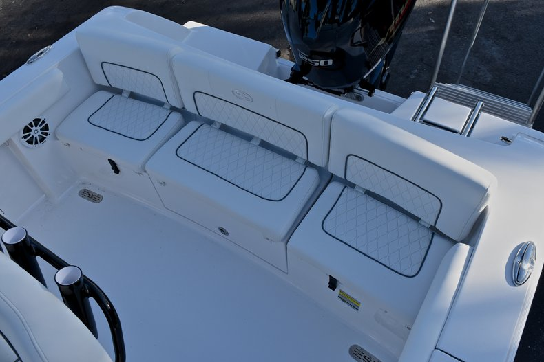 Thumbnail 9 for New 2018 Sportsman Heritage 231 Center Console boat for sale in West Palm Beach, FL